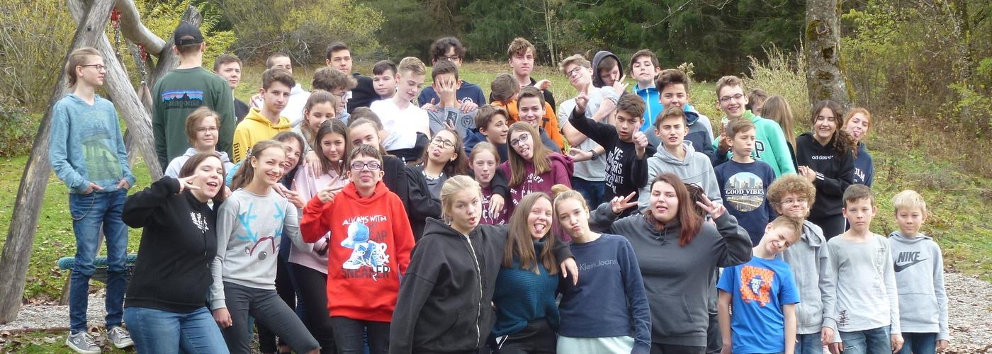 Jugendliche auf einem gemeinsamen Wochenende